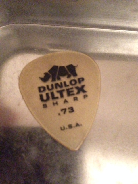 picture of a Dunlop Ultex Sharp pick